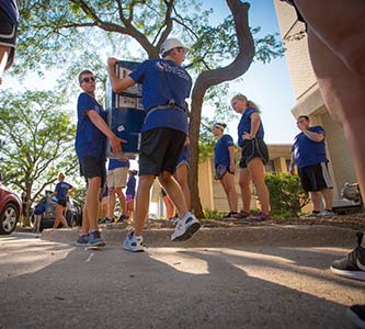 Welcome home: Creighton greets largest freshman class in history with massive move-in mobilization