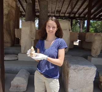 Undergrad Student Part of Team Archiving Ancient Artifacts in 3D